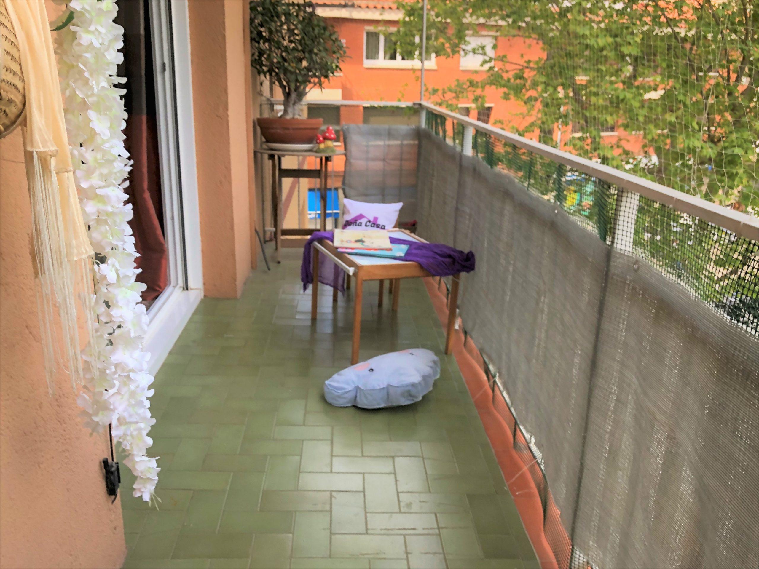 Piso en La Serreta, todo exterior con amplio balcón