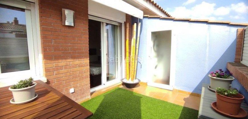 Luminoso dúplex en Can Alzamora, con terraza + parking + trastero