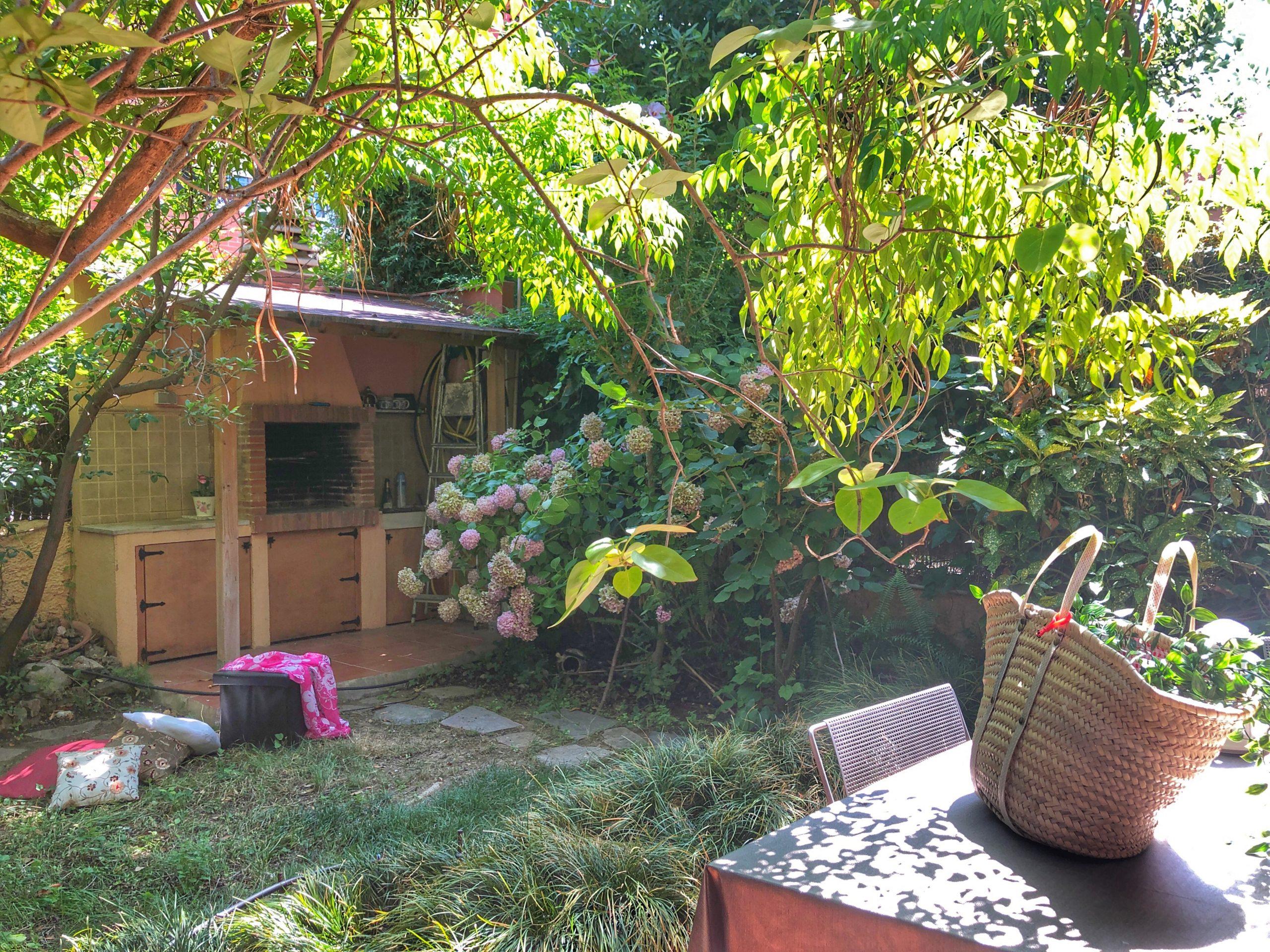 Encantadora casa con jardín, en Can Roses